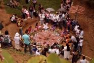 """""""OFRENDA"""" junto al grupo infantil """"Jimmy García Peña""""inauguración """"Sendero de la Memoria"""" Parque monumento Trujillo (Valle) agosto 31 de 2013"""